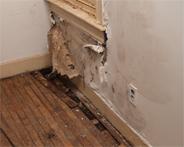mauertrockenlegung wie man feuchte mauern richtig saniert. Black Bedroom Furniture Sets. Home Design Ideas