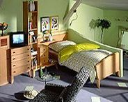sofa feng shui bett kinderzimmer. Black Bedroom Furniture Sets. Home Design Ideas
