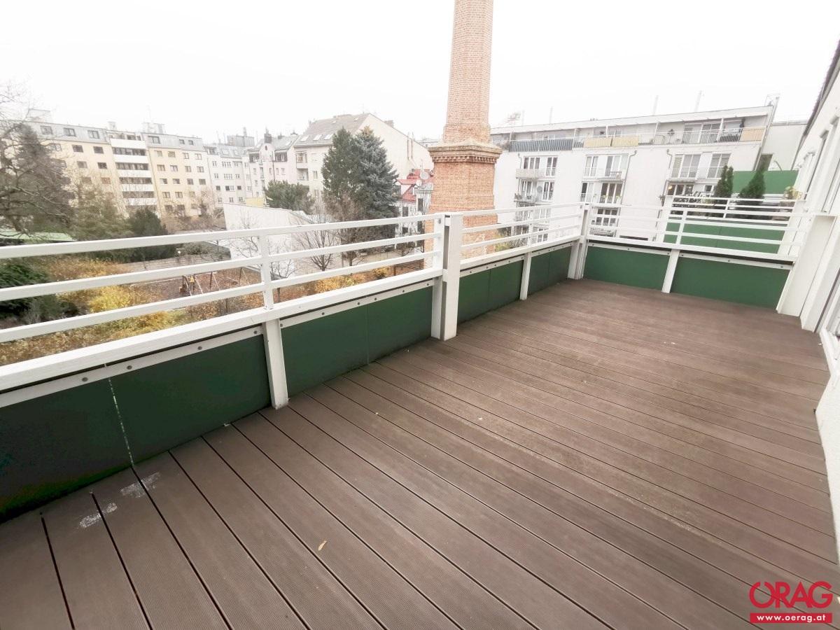 Wunderbare 3-Zimmer-Wohnung mit Balkon am Kaisermühlendamm in 1220 Wien zu mieten